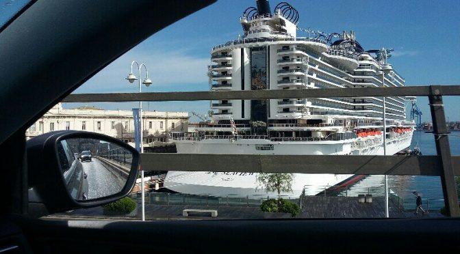 Porto di Genova..MSC in bella mostra